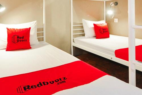 RedDoorz Hostel near Chinatown MRT photo 8