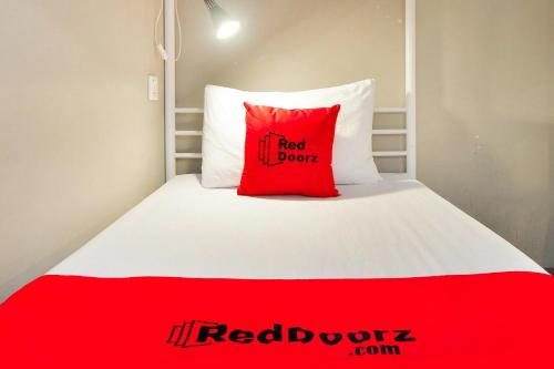 RedDoorz Hostel near Chinatown MRT photo 11