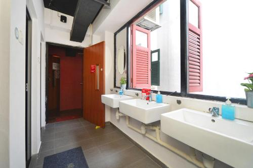 RedDoorz Hostel near Chinatown MRT photo 22