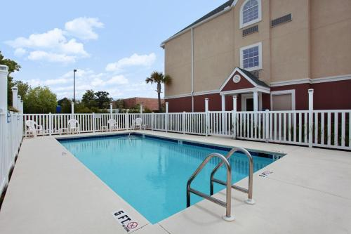 Microtel Inn & Suites By Wyndham Panama City - Panama City, FL 32405
