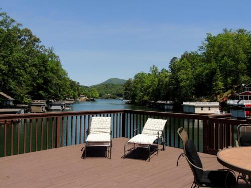middle eastern singles in lake lure From lake lure travel highway 64/74 east and turn left into the main riverbend gate entry just before the broad river bridge travel rainbow circle past mirror lake and turn left onto raven blvd travel raven blvd to a right on bluebird terrace.