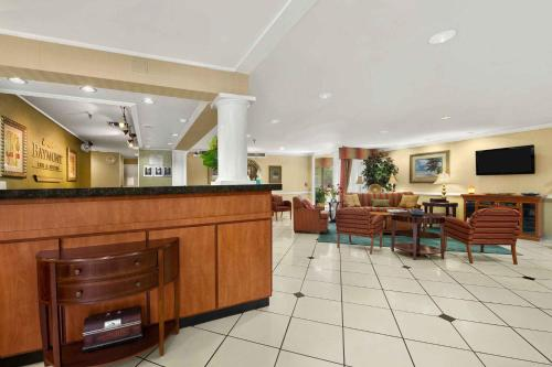 Baymont Inn & Suites - Gainesville Photo