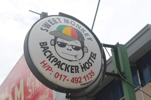 Sweet Monkey Backpacker Hostel Photo