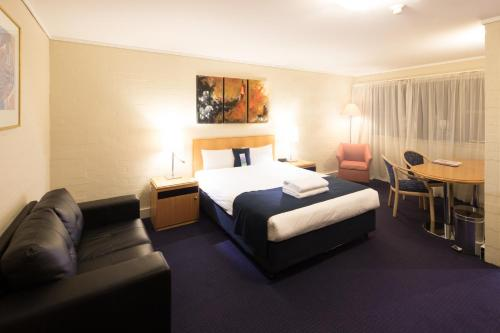 ibis Styles Canberra photo 57