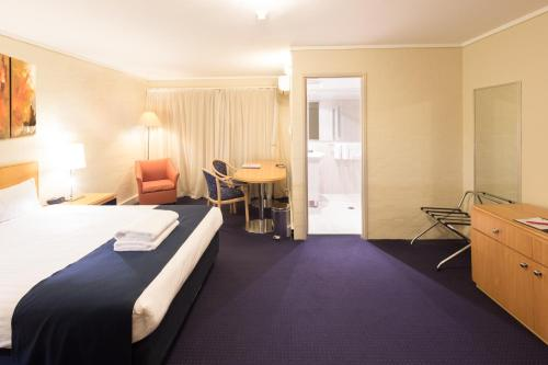 ibis Styles Canberra photo 59