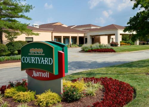 Courtyard St. Louis Creve Coeur Photo