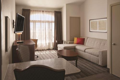 Hyatt House Minot- North Dakota Photo