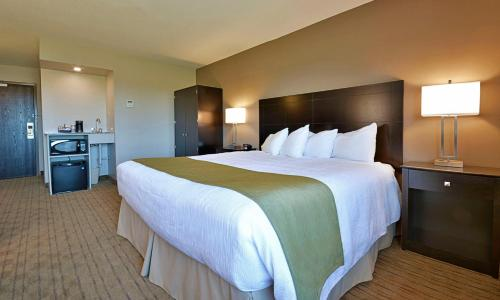 Best Western Pembroke Inn & Conference Centre - Pembroke, ON K8A 6W5