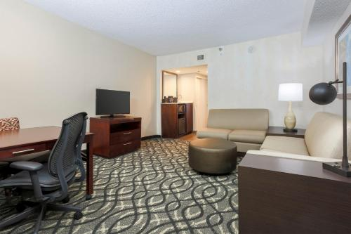 Embassy Suites by Hilton Dallas-Love Field photo 29