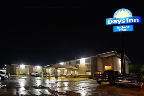 Topeka Days Inn - Topeka, KS 66604