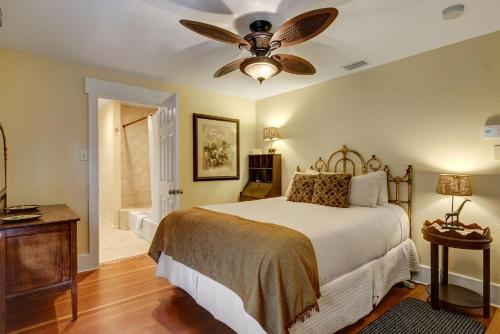 Hillcrest House Bed & Breakfast Photo