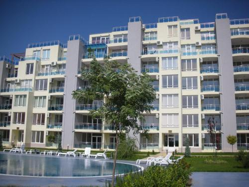 Apartments in Oasis Complex - фото 0