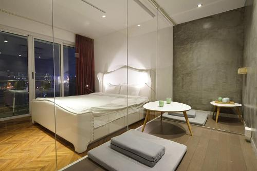 Shanghai Bund River View Boutique Apartment photo 3
