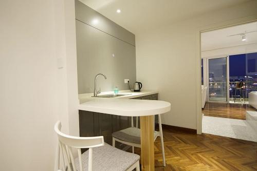Shanghai Bund River View Boutique Apartment photo 4