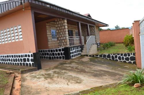 Whitestone - Guest House, Bamenda