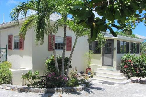 Caribbean Paradise - Grace Bay House with Pool, Grace Bay
