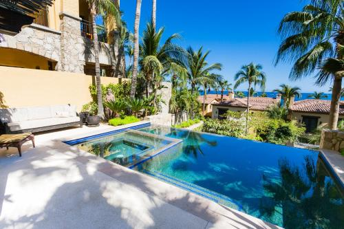 Hacienda Beach Club & Residences Photo