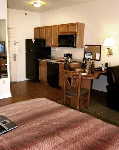 Candlewood Suites Jefferson City Photo