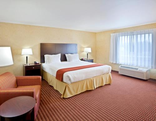 Holiday Inn Express Hotel & Suites Sandpoint North Photo