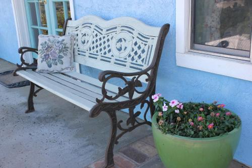 Sandra D's Country B&B - Fallbrook, CA 92028