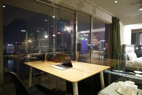 Shanghai Bund River View Boutique Apartment photo 25