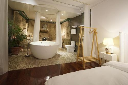 Shanghai Bund River View Boutique Apartment photo 99