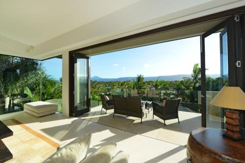61 Murphy Street - Luxury Holiday Home Port Douglas