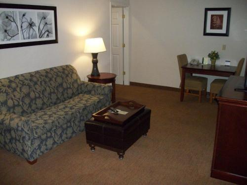 Homewood Suites by Hilton Memphis East Photo