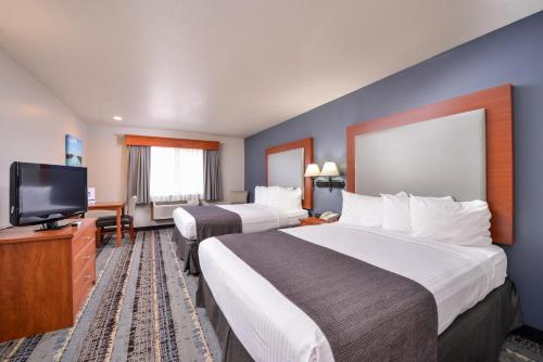 Best Western Newberg Inn Photo