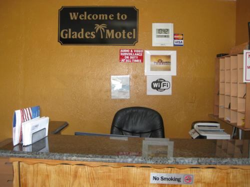 Glades Motel - Naples Photo
