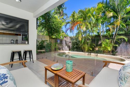 Palm Cove Retreat