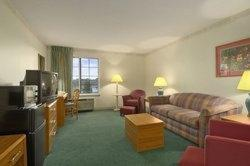 Baymont Inn & Suites Mackinaw City Photo