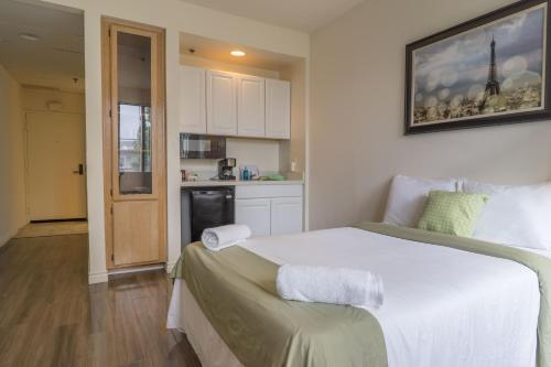 Midvale Apartments 428A - Los Angeles, CA 90024