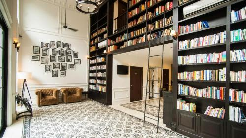 The Alcove Library, Ho Chi Minh City, Vietnam, picture 54