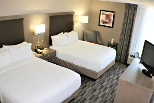 Holiday Inn Express Woodstock-Shenandoah Valley Photo