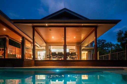 Trito - Luxury Holiday House Palm Cove Cairns