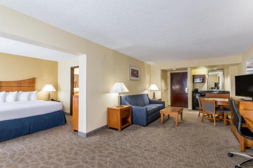 Wingate by Wyndham - Universal Studios and Convention Center photo 27