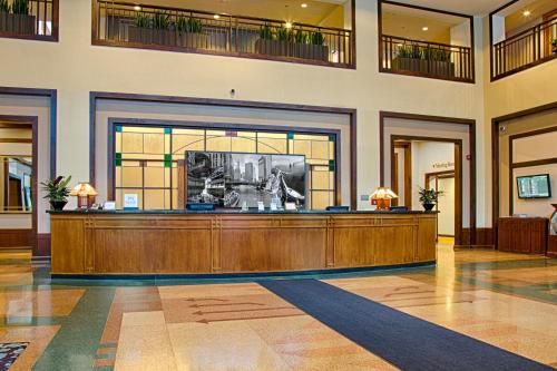 Embassy Suites Chicago - O'Hare Rosemont Photo