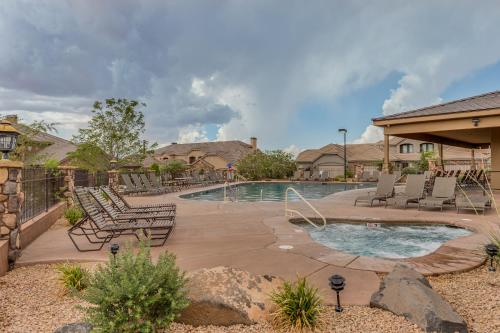 Escape to this beautiful 4 bedroom 3 bath St. George, Utah Photo