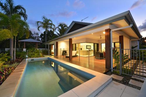 17 Cascade House - Luxury Holiday Home Port Douglas