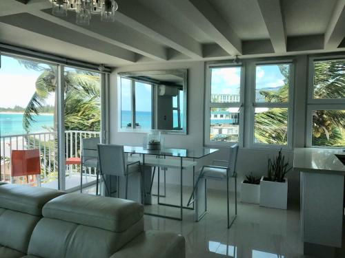 Amapola SeaSide Beach Front Apartment, San Juan
