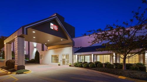 Best Western Plus Longbranch Hotel & Convention Center Photo