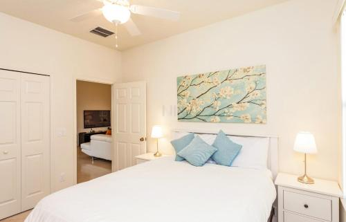 Four Bedroom Vacation Holiday Rental 47Bd66 Photo