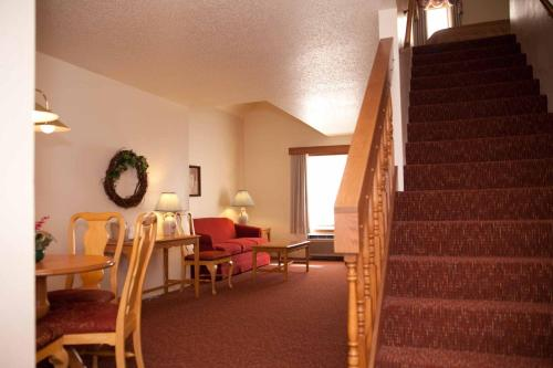 Baymont Inn & Suites Mequon Milwaukee Area Photo