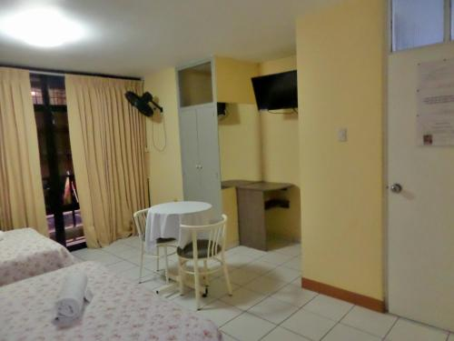 Hotel Residencial JH Photo