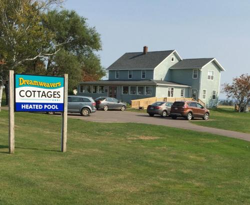 Dreamweavers Cottages and Home Place Vacation Home Photo