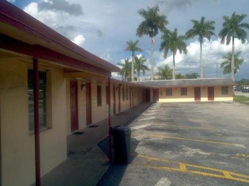 Palm City Motel Photo