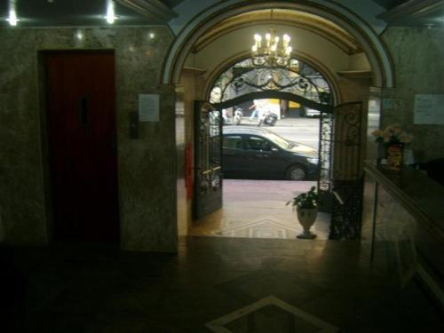 Reinales Plaza Hotel Photo