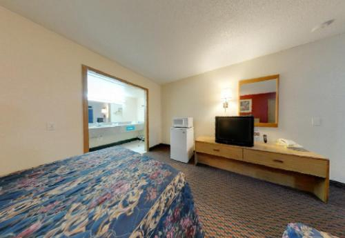 Americas Best Value Inn Weatherford Photo