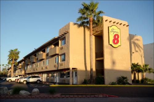 Super 8 - Las Vegas Photo